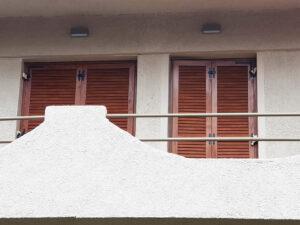 Κουφωμάτα PVC GEALAN S8000-IQ, πατζούρια DEBURG, χρώμα GOLDEN OAK στην Ορεινή Αχαΐα